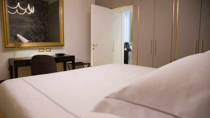 elizabeth-unique-hotel-rome-Suite-201-[07]